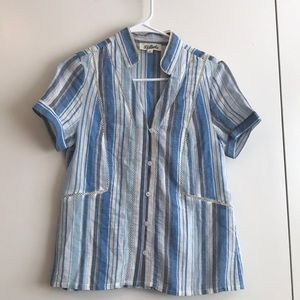 Trendy blue called to surf top